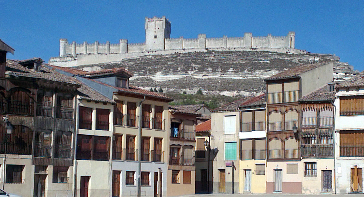 Beautifully Restored 10th Century Castle Above The Ribera Town Of Penafiel